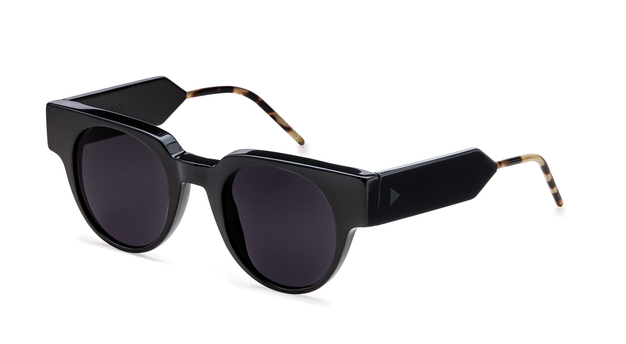 EMANUEL_Eyewear_SOYA_Black_3-4View
